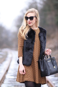 Hm printed swing dress short mini a line dress top shop black faux fur gilet vest brahmin small lincoln satchel chanel cateye sunglasses nars bette burgundy lipstick